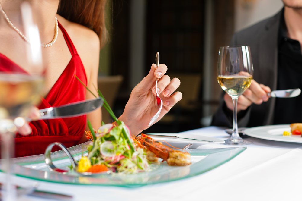 What To Eat And Drink On A First Date – And What To Avoid!
